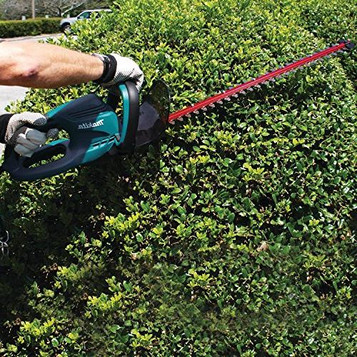 """Makita 25"""" Electric Hedge Trimmer Trimming"""